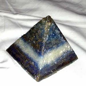Magia - Orgonite piramidale